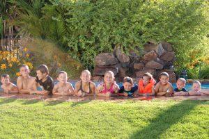 Van Augrabies 273 se kinders in die swembad!!